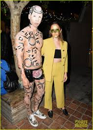 halloween party photo michelle trachtenberg u0026 portia doubleday get into halloween spirit