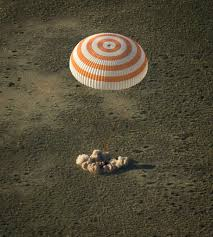 expedition 41 ends soyuz tma 13m crew to return to earth tonight