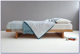 bed without headboard feng shui bedroom home decorating ideas
