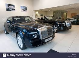 rolls royce headquarters england london mayfair rolls royce car showroom stock photo