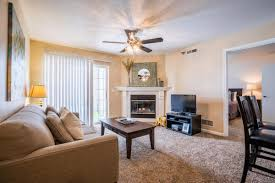 Living Room Sets Des Moines Ia Polo Club Apartments At 6201 Ep True Parkway West Des Moines Ia