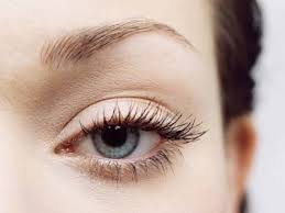 Professional Eyelash Extension What No One Ever Tells You About Getting Lash Extensions Allure