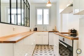 cuisine salon cuisine avec verrière industrielle qui donne sur le salon