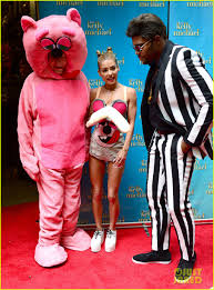 kelly ripa miley cyrus vmas halloween costume with michael