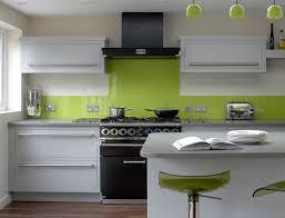 Apple Green Paint Kitchen - cocina verde pistachoy blanco decoración pinterest