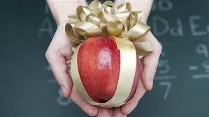 gift for of the here s a list of the 5 best and worst gifts to give teachers this
