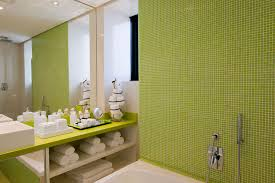 Yellow Bathroom Decor by Interior Nice Bathroom Decoration With Yellow And White Wall Plus