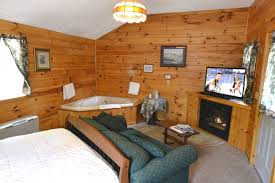 one room cottages jacuzzi woodland cottages new england inn lodge