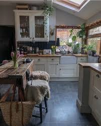 plants for on top of kitchen cabinets why you shouldn t use plants in your home decoholic
