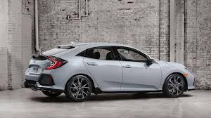 a first look at the 2017 honda civic hatchback the drive