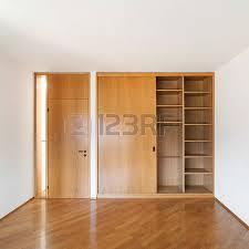 chambre avec placard architecture intérieurs de vide appartement une chambre avec