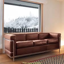 comment nettoyer canapé grand comment nettoyer canapé cuir retourné artsvette