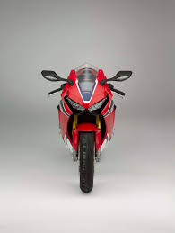 honda cbr1000cc 2017 honda cbr1000rr sp proving patience is a virtue