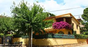 rich russians set sights on spanish homes the local