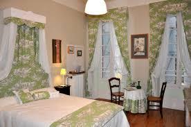 chambre arbre bed and breakfast hôtes l arbre d or beaumont de lomagne