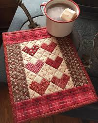 table runner or placemats 3189 best table runners mug rugs and placemats images on pinterest