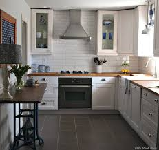 kitchen cabinets backsplash for white cabinets and black