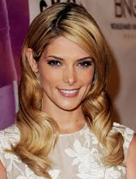 ashley greene with beautiful ombre ashley greene shows off long blonde extensions stylecaster