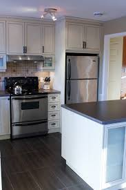 armoire de cuisine en pin armoires tremblay cuisine de style chêtre