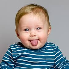 bimbo 13 mesi alimentazione bambino 1 anno sviluppo psicomotorio alimentazione e linguaggio