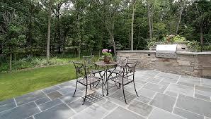 pavimentazione giardino prezzi pavimenti per esterni prezzi tipologie e consigli tirichiamo it