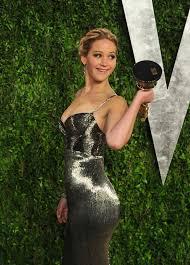 Jennifer Lawrence Vanity Jennifer Lawrence Brought Her Oscar To The Vanity Fair Oscar Party