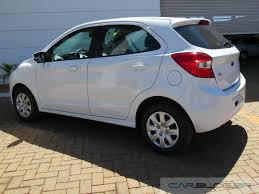 Famosos Novo Ford KA SE e SE Plus 2015: preços e vídeo de test-drive | CAR  @YB19