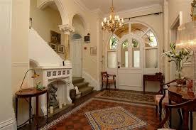 Tudor House Interiors Home Design Ideas - Tudor home interior design