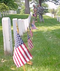 How Many Stars And Stripes Are On The Us Flag Flags In At Arlington Sets Stage For Memorial Day U S Stripes