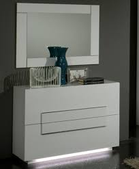 chambre laqué blanc commode 2 tiroirs city laque blanc chambre à coucher