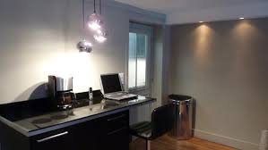 chambre de travail rénovation d un petit espace comme une chambre d hôtel galerie