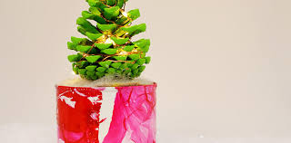 how to make pine cone tree with lights pillar box blue