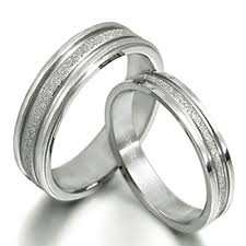 Couple Wedding Rings by Groom U0026 Bride His U0026 Her Matching Couple Wedding Rings Titanium