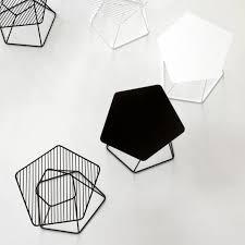 beistelltisch designer přes 25 nejlepších nápadů na téma design beistelltisch na