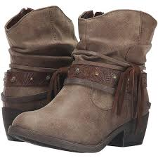 s slouch boots australia best 25 s slouch ankle boots ideas on slouch