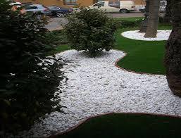 idee deco jardin japonais decoration jardin avec galets son jardin avec des galets blancs