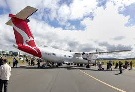 file qantaslink vh qop bombardier dash 8 q400 at the canberra