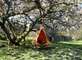 hang in out u0027s cacoon hammock lifts you above the trees