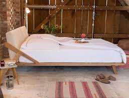 design bett massivholzbett bilder ideen couchstyle