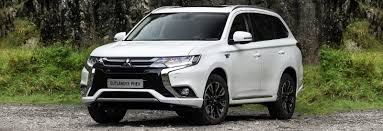top 10 safest cars under the 10 best suvs between 20 000 and 30 000 carwow