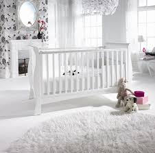 romantic decoration of baby room with wallpaper quecasita