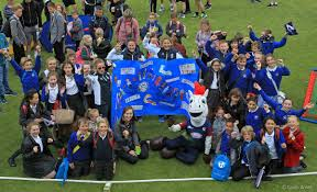 countrystyle sponsors kent county cricket clubs schools day out