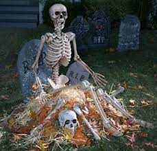 Realistic Outdoor Halloween Decorations by 86 Best Skeleton Decorating Images On Pinterest Halloween Ideas