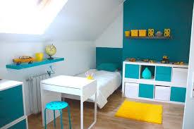 décoration chambre enfant bleu et jaune deco