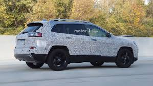 jeep mercedes 2018 2018 jeep cherokee spied showing its redesigned headlights