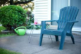 Plastic Outdoor Furniture by How To Clean Chalky Plastic Lawn Chairs Hunker