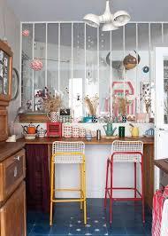 cuisine coloree trends diy decor ideas verrière blanche dans une cuisine