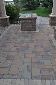 Slate Pavers For Patio by Best 25 Paver Installation Ideas On Pinterest Backyard Pergola