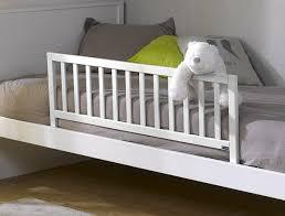 ou acheter chambre bébé barrière de lit pourquoi en acheter pour lit bébé