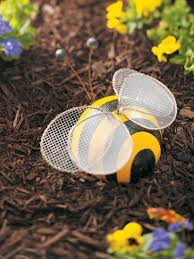 Bee Garden Decor Diy Colorful Garden Décor Ideas Decorazilla Design Blog